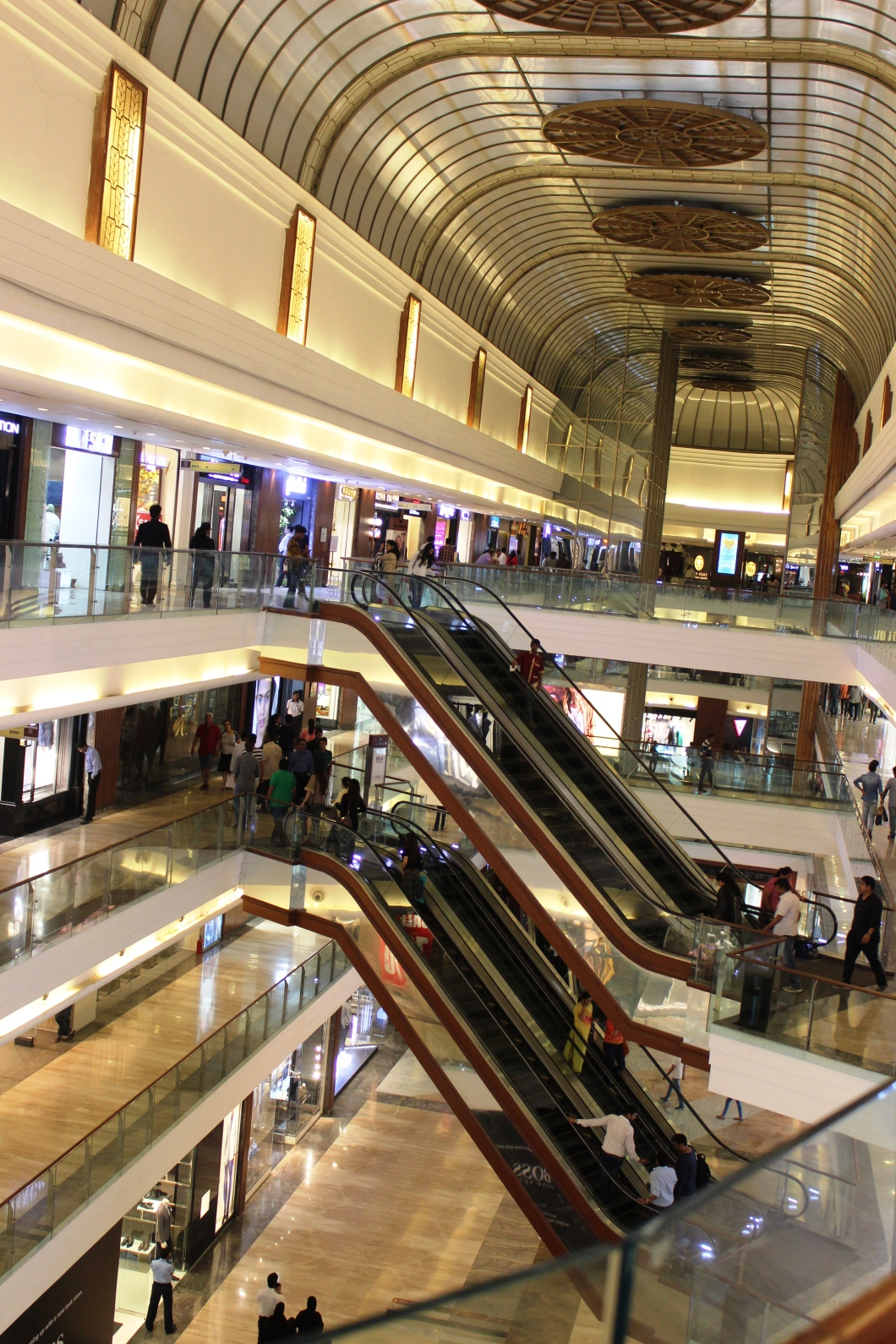 High Street Phoenix mall situated in Mumbai - Photograph in mirandavoice.com
